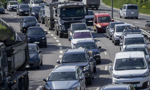 Alt tyder på at det blir mye biler på veiene førstkommende fredag. Foto: Fremtind.