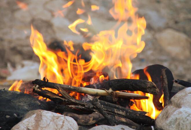 Brannvesenet oppfordrer alle til å la være å gjøre opp ild i skogen nå.