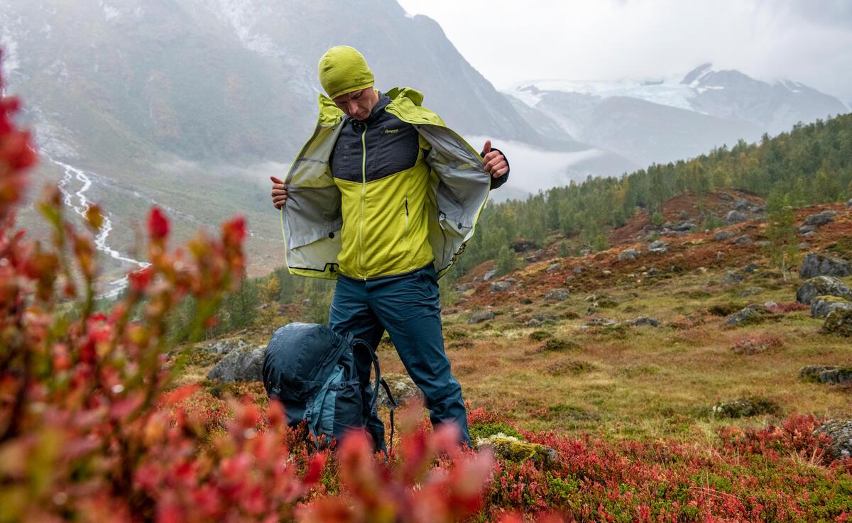 Med lagvis påkledning kombinerer du plagg med ulike egenskaper. Foto: Hans Kristian Krogh-Hanssen / Bergans